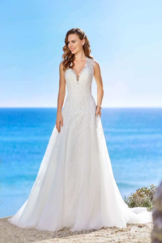 Brautmoden Hanau - Designer Brautkleider und Hochzeitsanzüge